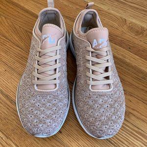 NWOT Rose Gold APL Techloom Phantom Sneakers